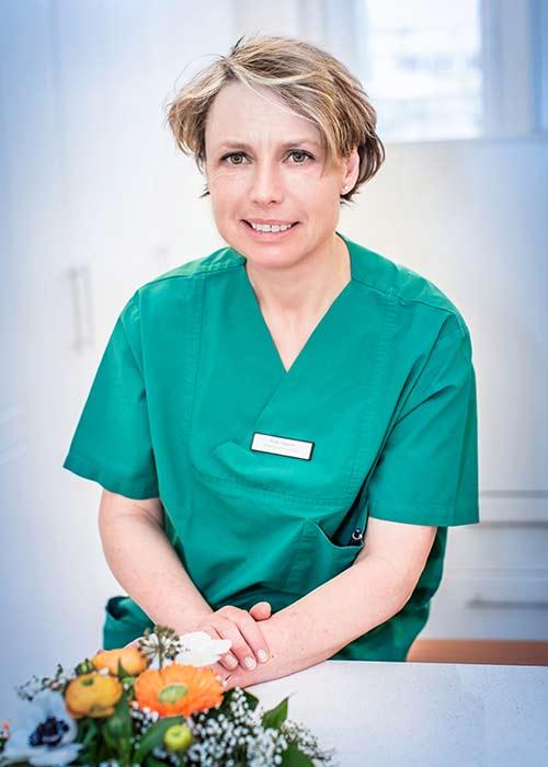 Frau Susanne Baur